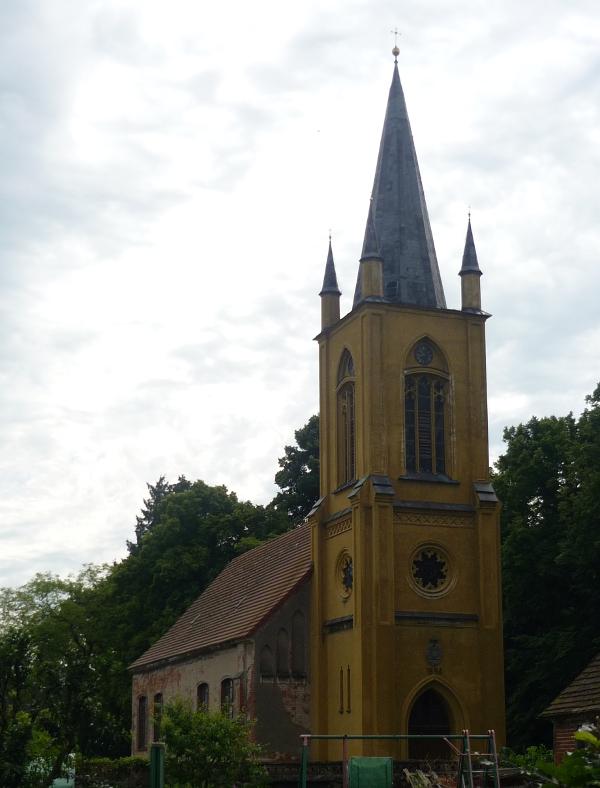 Die Kirche von der Forderseite